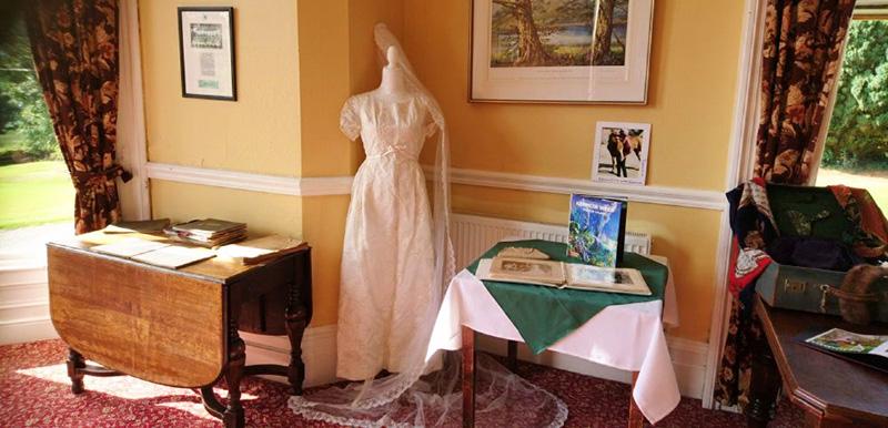 Fidelma's Wedding Dress Bel-Air Hotel