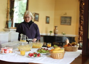 Food - Fresh fruit on the breakfast buffet